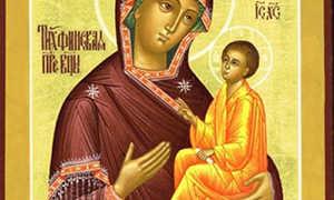 2 сильных молитвы Тихвинской иконе Божией матери