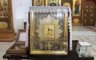 О чем молятся перед иконой избавительница